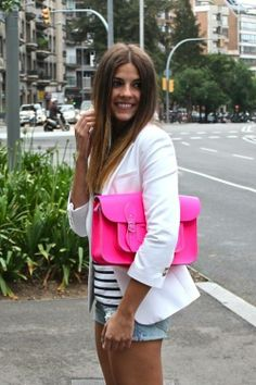 Love the pink handbag with this look