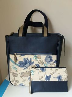nike shoulder bags for womensPin by Elizabeth Langlois on PatchworkLike the handles Patchwork Bags, Quilted Bag, Diy Bags Purses, Bag Patterns To Sew, Denim Bag Patterns, Diy Tote Bag, Diy Handbag, Fabric Bags, Womens Tote Bags