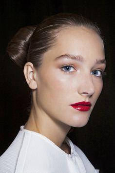 Jak nosić czerwoną szminkę, fot. Imaxtree.com/Carolina Herrera