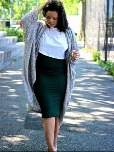 20 Best Midi Skirt Outfits Midi Pencil Skirt Outfit for Plus Size Women Curvy Girl Outfits, Curvy Girl Fashion, Look Fashion, Fashion Outfits, Curvy Work Outfit, Cheap Fashion, Skirt Fashion, Fashion Clothes, Fashion Ideas