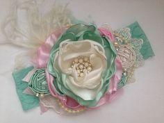 Guinda del pastel en la venda superior, menta y diadema rosa, diadema de la couture, sobre el arco superior, venda del bebé, venda de la flor, ott arco