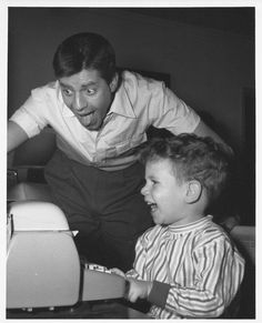 Jerry and his son 💛💙 Hollywood Stars, Classic Hollywood, Vintage Hollywood, Physical Comedy, You Are My Hero, Jerry Lewis, Dean Martin, Family Affair