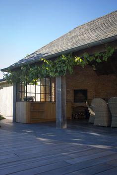 45 Awesome Outdoor Kitchen Ideas and Design - Pandriva Outdoor Rooms, Outdoor Gardens, Indoor Outdoor, Outdoor Living, Outdoor Kitchen Plans, Outdoor Cooking Area, Porch Veranda, Garden Pavilion, Main Door Design