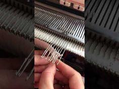 Неотрывный способ частичного вязания горловин,без ступенчатого края. - YouTube