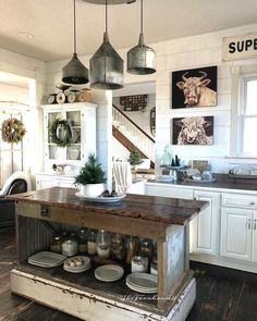 Farmhouse kitchen, rustic industrial kitchen kitchen redo в 2019 г. Rustic Country Kitchens, Modern Farmhouse Kitchens, Farmhouse Style Kitchen, Home Kitchens, Rustic Farmhouse, Kitchen Rustic, Primitive Kitchen, Farmhouse Lighting, Kitchen Lighting