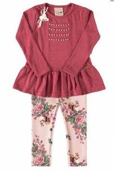 blusa manga longa com perolas e flor com legging