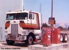 Just pumping some diesel! Big Rig Trucks, Dump Trucks, Cool Trucks, Diesel Cars, Diesel Trucks, Cab Over, Alley Cat, Peterbilt Trucks, Jeep Truck