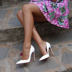 @louboutinworld @ellamois #christianlouboutin #christianlouboutins #loubies #louboutin #louboutins #redsoles #redbottoms #highheels #highheelshoes #heels #heelsaddict #shoes #shoefie #shoelover #shoestagam #shoesaddict #shoesfashion #fashion #fashionshoes #luxury #luxuryfootwear #footwear #glamour #glamourshoes #lifestyle #designershoes