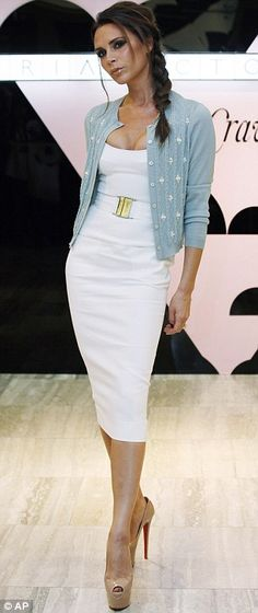 She who can do no wrong....Love this dress, love the cardi, love the whole look.