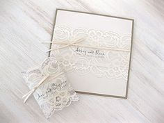 Love the lace on these invites!