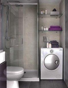se ha aprovechado el hueco sobre el lavarropas con estantes!