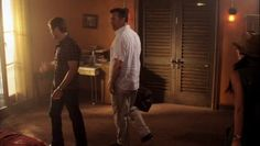 "Burn Notice 5x01 ""Company Man"" - Sam Axe (Bruce Campbell) & Max (Grant Show)"