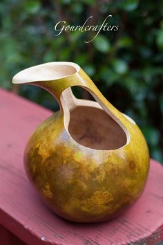 best ideas about Gourd crafts Decorative Gourds, Hand Painted Gourds, Diy Arts And Crafts, Crafts To Make, Lampe Decoration, Gourds Birdhouse, Gourd Lamp, Diy Art Projects, Nature Crafts