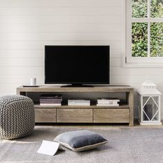 Meuble TV en chêne massif grisé L 160 cm Baltic   Maisons du Monde