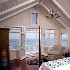 Lewin Wertheimer kept this Malibu bedroom simple Cottage Living, Coastal Living, Cottage House, Porches, Beach Cottage Style, Coastal Style, Coastal Decor, Dream Beach Houses, Home Upgrades