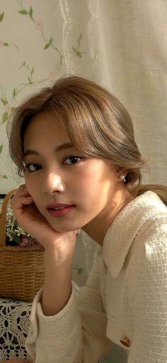 Image about kpop in 𝙩𝙬𝙞𝙘𝙚 - 트와이스 by Nobody Like Ryu Kpop Girl Groups, Korean Girl Groups, Kpop Girls, Twice Dahyun, Tzuyu Twice, Nayeon, K Beauty, Asian Beauty, Tzuyu Wallpaper