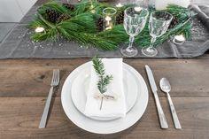 Christmas Table - VALÉRIE DE L'ÉTOILE INTERIOR DESIGNER Designer, Table Decorations, Furniture, Home Decor, Decoration Home, Room Decor, Home Furnishings, Home Interior Design, Dinner Table Decorations