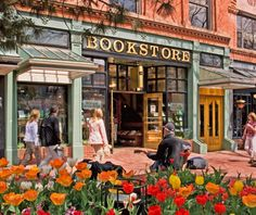 America's Best Bookstores: Boulder BookstoreThis three story store holds more than 100,000 titles. boulderbookstore.net