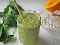Everyday Green Smoothie Serves2 1 cup unsweetened almond milk ½ cup mango chunks, fresh or frozen 1 small banana 1 Tbsp almond butter (optional) ½ cup fresh orange juice 1 cup baby spinach leaves 2 ice cubes
