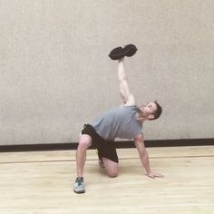 via @bwellhealthandfitness ・・・ I have some clients that don't like holding the Kettlebell over head because it hurts their wrist or forearm even when they hold it the correct way and some are afraid they might drop it on their head... A great alternative is to balance a sandbell over head. The Turkish getup and the windmill are great shoulder stability and core strength movements to throw in your routines! #sandbell #turkishgetups #turkishgetups #shoulderstability #Hyperwear