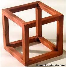 """Aquí tenemos el cubo de Necker, aunque algunos lo llamamos, """"EL TRIÁNGULO IMPOSIBLE"""".  Increíble ilusión óptica :) ;) ._. ,"""