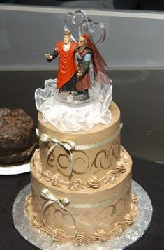 Vulcan Klingon Wedding Cake So we can put a darth vader and a counselor troi on ours.....