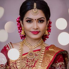 Do u ever think the bridal jewellery is on point from . How about the photography by , make up from Beautiful Bollywood Actress, Beautiful Indian Actress, Beautiful Saree, Beautiful Bride, Tamil Wedding, Saree Wedding, Bridal Beauty, Bridal Makeup, Saree Jewellery