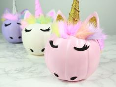 DIY glam unicorn pumpkins // calabazas de unicornios #unicorn #halloween #pumpkin #halloweendecor