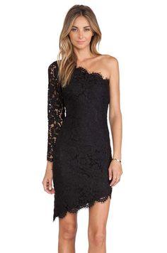 Mini vestidos de encaje color negro para fiesta 2014 https://vestidoparafiesta.com/mini-vestidos-de-encaje-color-negro-para-fiesta-2014/