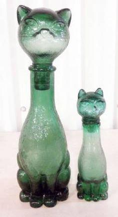 Botellas gatos