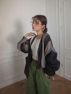 korean fashion Here are some great korean spring fashion 9264 Vintage Outfits, Retro Outfits, Korean Outfits, Cool Outfits, Casual Outfits, Fashion Outfits, Fashion Tips, 2000s Fashion, Korean Outfit Street Styles