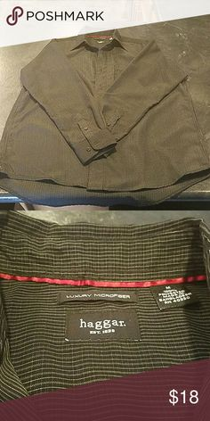 Men's dress shirt Like new, microfiber mens Haggar medium dress shirt. Comes from a smoke free home and is in excellent condition!! Haggar Shirts Dress Shirts
