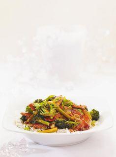 Recette de sauté de porc et brocoli: recette de Ricardo. Ingrédients du sauté: filet de porc, brocoli, oignon. Repas rapide à préparer aux saveurs exotiques.