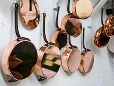 Copper pots and pans are a serious investment. Here's what you need to know about their advantages and disadvantages, and how to recognize quality. Copper Utensils, Copper Pans, Hammered Copper, Best Cooking Pots, Seared Fish, Easy Fish Recipes, Food Lab, Cooking Gadgets, Cooking Utensils
