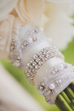 bracelets around the bouquets for an extra sparkle  #DBBridalStyle