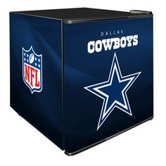 Put your NFL fandom on full display with this NFL Refrigerated Beverage Center. With a compact design that boasts maximum cooling capacity, the beverage center is the perfect thing keep your favorite drinks ice cold and prove that you're a true fan. Beverage Refrigerator, Compact Refrigerator, Alcohol Bottle Decorations, Cowboy Crafts, Dallas Cowboys Decor, Beverage Center, Beer Cooler, Vintage Appliances, Air Hockey
