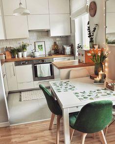 26 Creative Small Kitchen Design And Organization Ideas Small Kitchen Remodel Creative Design Ideas Kitchen Organization Small smallkitchenorganizati Home Decor Kitchen, Interior Design Kitchen, Home Kitchens, Big Kitchen, Small Kitchens, Kitchen Designs, Kitchen Ideas, Green Kitchen, Kitchen Tips