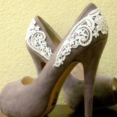Hidden Cupcakes...: Fave Fashion DIY...lacey heels