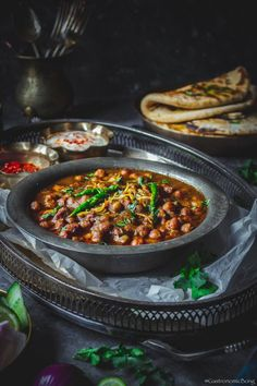 Amritsari Pindi Chole Masala is a popular North Indian vegetarian curry made w boiled chickpeas & aromatic spices & fragrant homemade chole masala Chana Recipe, Channa Masala, Vegetarian Curry, Vegetarian Recipes, Cooking Recipes, Healthy Recipes, Healthy Food, Snack Recipes, Kitchens
