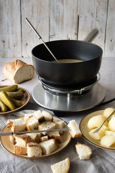 There isn't much comfort food to top a Traditional Swiss Cheese Fondue. This recipe comes straight from Switzerland! Click through for the best, most authentic fondue you've ever had! Tapas, Fondue Recipes, Cooking Recipes, Copycat Recipes, Fondue Ideas, Kabob Recipes, Party Recipes, Beef Recipes, Cooking Tips