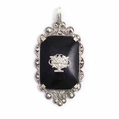 Koop deze antieke Jugendstil kettinghanger met onyx bij Aurora Patina, de leukste sieraden webshop van Nederland!
