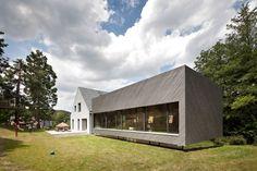 franz architekten expands family house in eichgraben, austria