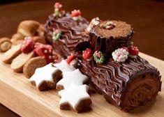 Christmas Log Cake, Christmas Cake Decorations, Christmas Diy, Merry Christmas, Yule Log Cake, Brownies, Eclairs, Dessert Recipes, Desserts