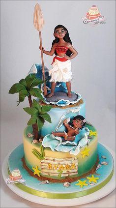 Moana - cake by Carmen Iordache Beautiful Cakes, Amazing Cakes, Super Torte, Luau Birthday, Moana Birthday, Disney Birthday, Birthday Cakes, Character Cakes, Disney Cakes