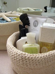 'IKEA-like' Organizer Basket by Anniepurls on flickr