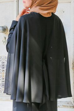 Cape Dress in Black Modest Fashion Hijab, Abaya Fashion, Muslim Fashion, Modest Outfits, Fashion Outfits, Abaya Designs, Kurti Designs Party Wear, Estilo Abaya, Fashion Illustration Face
