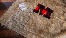 This step-by-step tutorial will show you how to make a DIY faux fur and buffalo plaid fleece throw blanket. Diy Throw Blankets, Fleece Throw, Buffalo Plaid Blanket, Craft Fur, Pillow Ideas, Faux Fur, Walmart, Projects To Try, Crafts