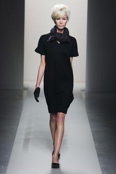 Bottega Veneta Pre-Fall 2011 Fashion Show - Britt Maren