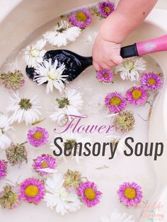 Flower Sensory Soup My toddler loves water play! This time, I threw in some fresh flowers that were just about to fade, and this quick and simple Flower Sensory Soup kept him entertained for a long time! Nature Activities, Spring Activities, Kindergarten Activities, Infant Activities, Fun Activities, Flower Activities For Kids, Preschool Themes, Sensory Table, Baby Sensory