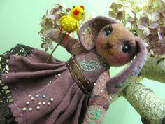 Купить Валяная (войлочная) игрушка из шерсти Зая Смородинка и Петушок - брусничный, валяная игрушка